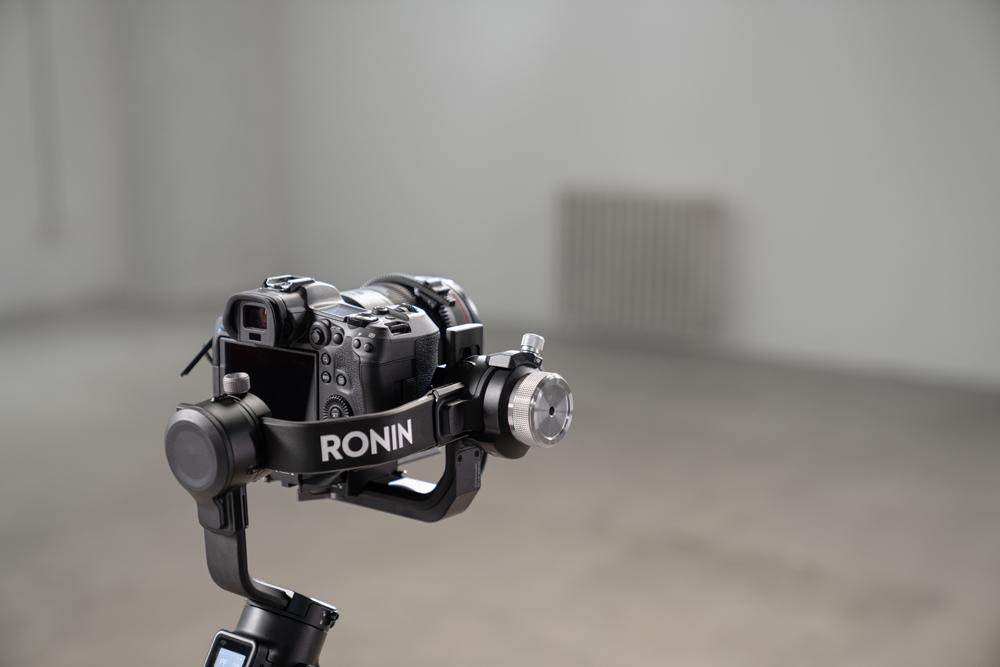 https://www.karacasulu.com/wp-content/uploads/2021/03/DJI-RSC-2-Roll-Axis-Counterweight-Set.jpg
