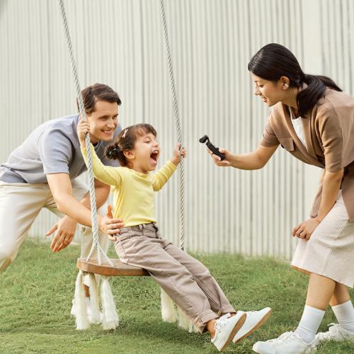 https://www.karacasulu.com/wp-content/uploads/2021/04/DJI-Pocket-2-Lifestyle-KV-Family1to1amaozn.jpg